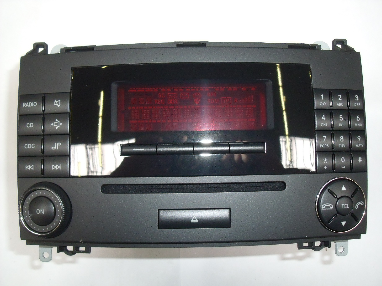 Mercedes benz auto radio audio 20 cd a1698700689 for Mercedes benz stereo