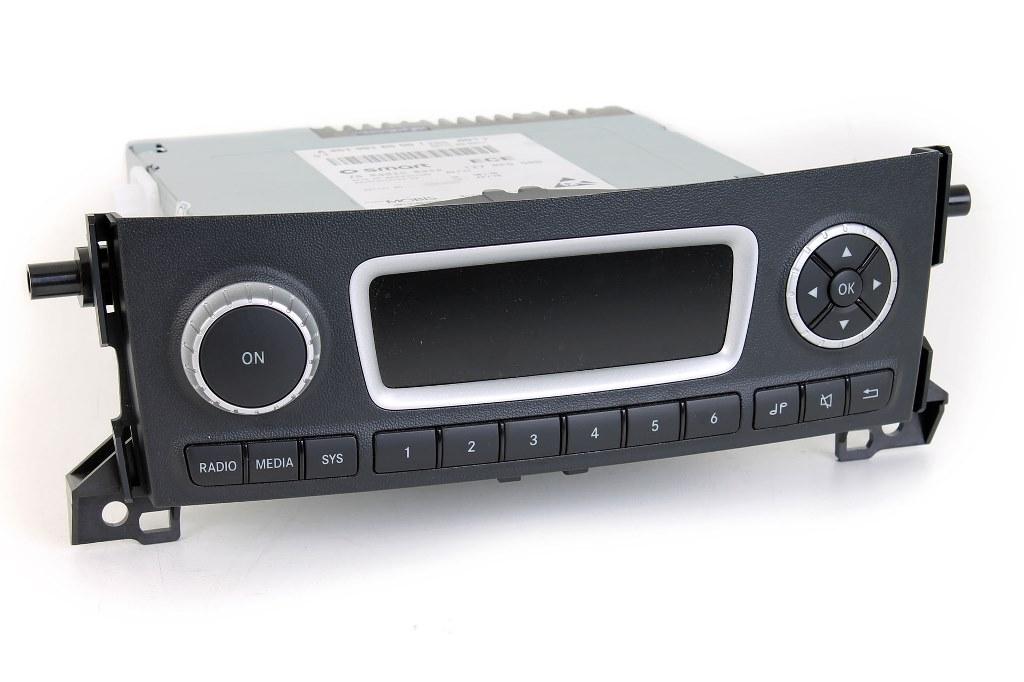 smart original radio 451 coupe cabrio usb schnittstelle a4519016500 ebay. Black Bedroom Furniture Sets. Home Design Ideas